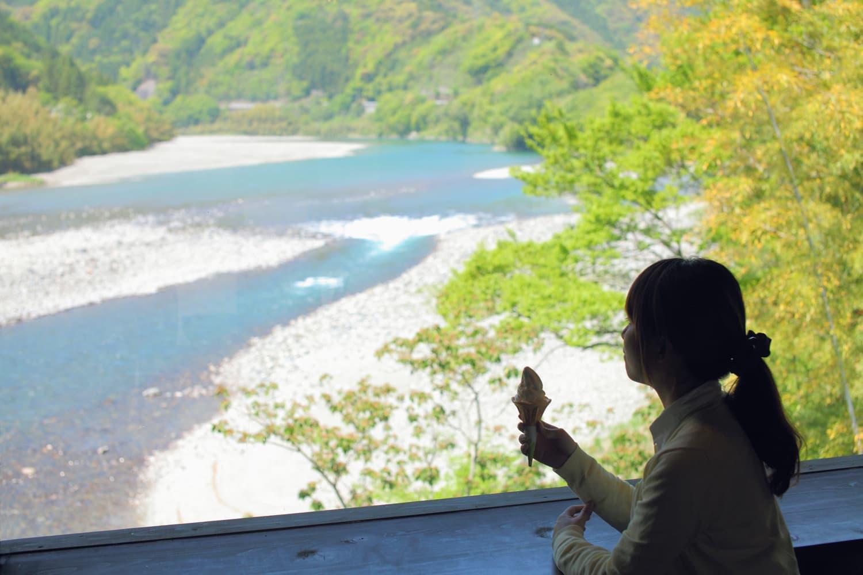 西日本最高峰の山麓をエリアブランディング